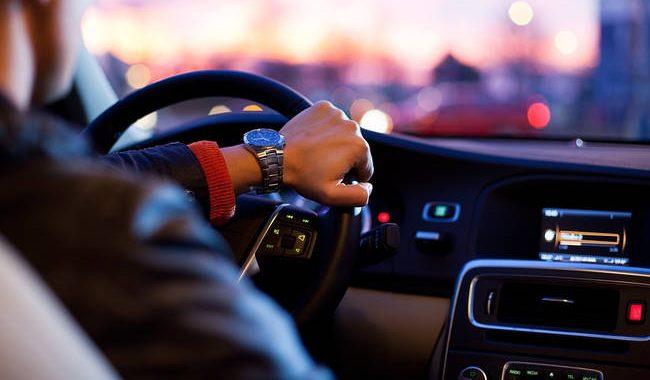 Νέα βενζίνη και νέες ετικέτες σε πρατήρια και αυτοκίνητα από τον Ιανουάριο του 2019