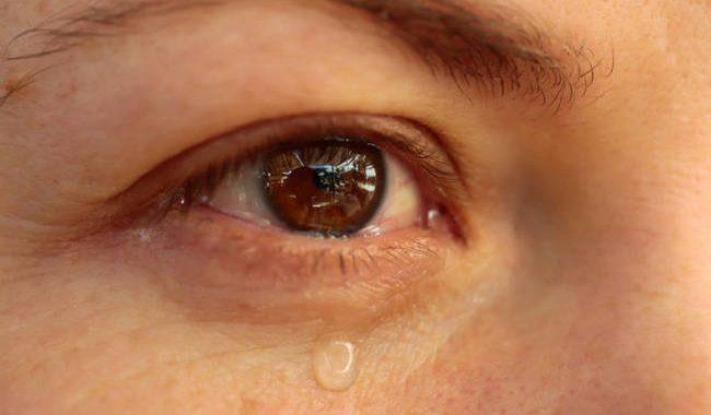 Έξι λόγοι που τα μάτια σας δακρύζουν συνεχώς