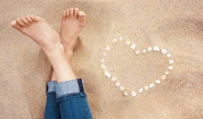 Νύχια ποδιών: Τι δείχνουν για την υγεία ανάλογα με το χρώμα τους
