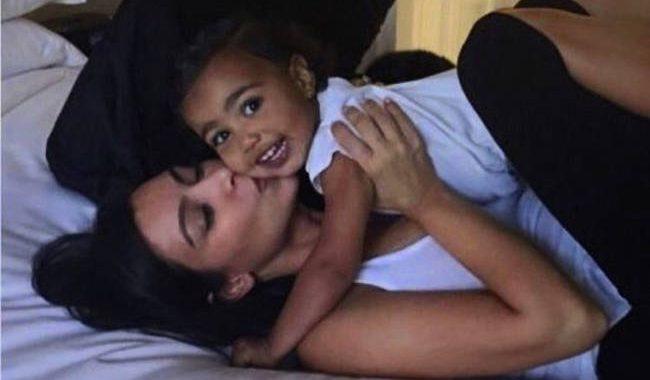 Διάσημες μαμάδες: Οι πιο αυθόρμητες και τρυφερές φωτογραφίες με τα παιδιά τους (pics)