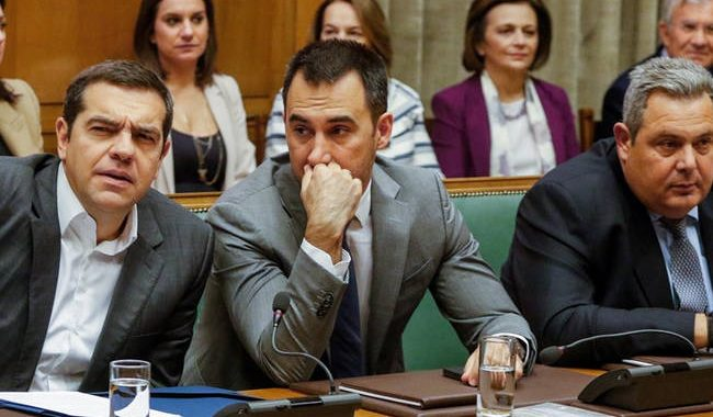 Τσίπρας σε υπουργούς: Δεσμευτείτε ότι δεν θα ρίξετε την κυβέρνηση για το Σκοπιανό