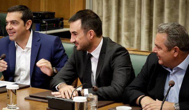 Υπουργικό Συμβούλιο με φόντο τον προϋπολογισμό και τις αναταράξεις με Καμμένο