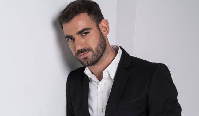 Νίκος Πολυδερόπουλος: Το περιστατικό που η κοπέλα του τον έπιασε στα πράσα με άλλη