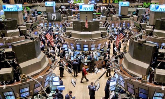 Η αύξηση των επιτοκίων έφερε μεγάλη πτώση στη Wall Street