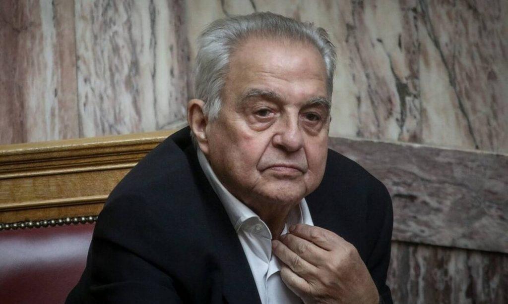 Αλέκος Φλαμπουράρης: Ο λαός πρέπει να μάθει γιατί η χώρα έπεσε στα βράχια