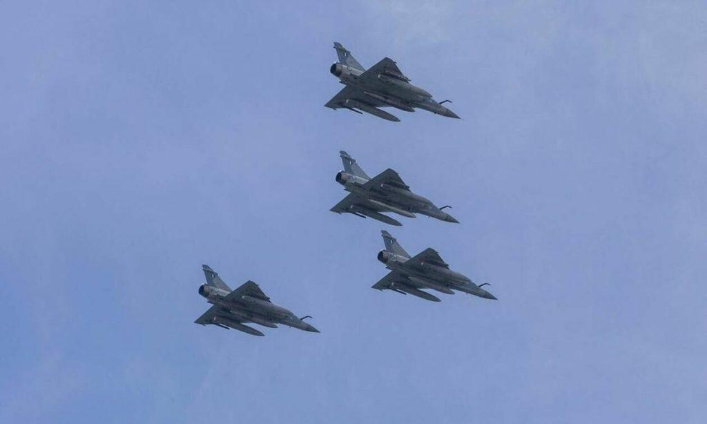 Συναγερμός στο Αιγαίο: Νέο μπαράζ παραβιάσεων από τουρκικά αεροσκάφη και δύο εικονικές αερομαχίες