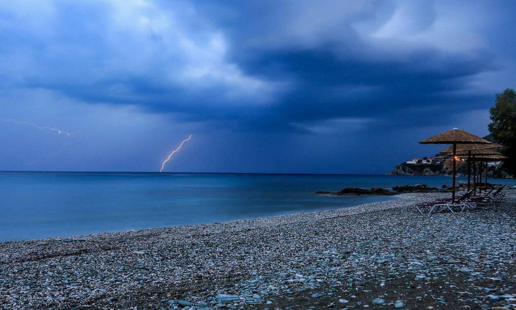 Καιρός - Έκτακτο δελτίο ΕΜΥ: Τετάρτη με καταιγίδες, χαλαζοπτώσεις και θυελλώδεις ανέμους (pics)