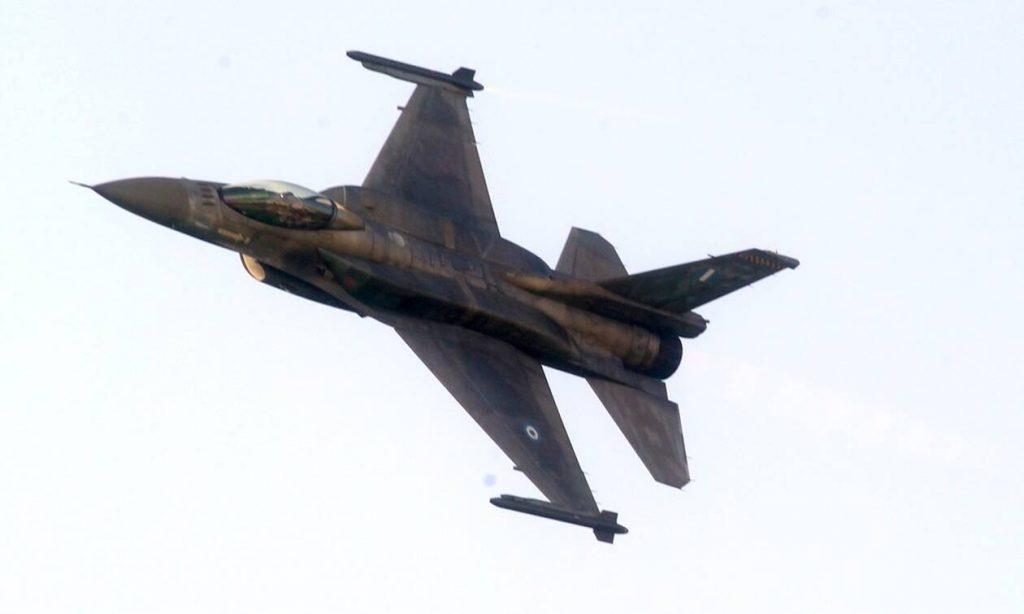 «Εισβολή» Oruc Reis: Τι είδε ελληνικό F-16 που πέταξε πάνω από το τουρκικό ερευνητικό