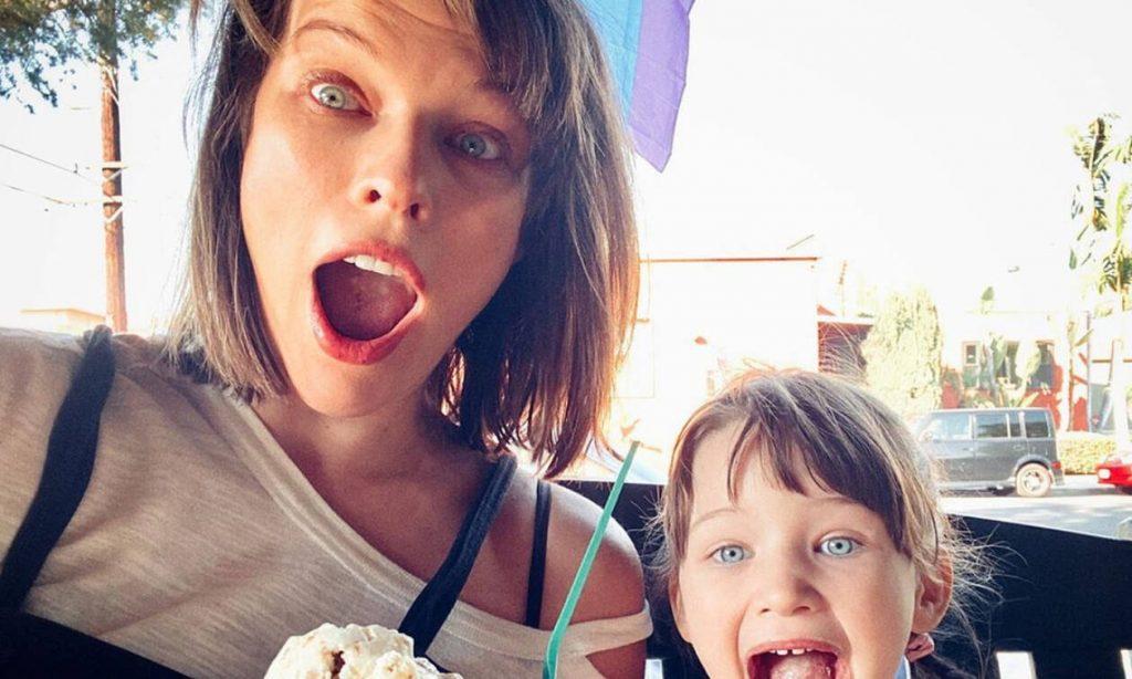 Milla Jovovich: Έγινε μαμά για τρίτη φορά & η κόρης της ανέβασε την πιο υπέροχη φώτο (pics)