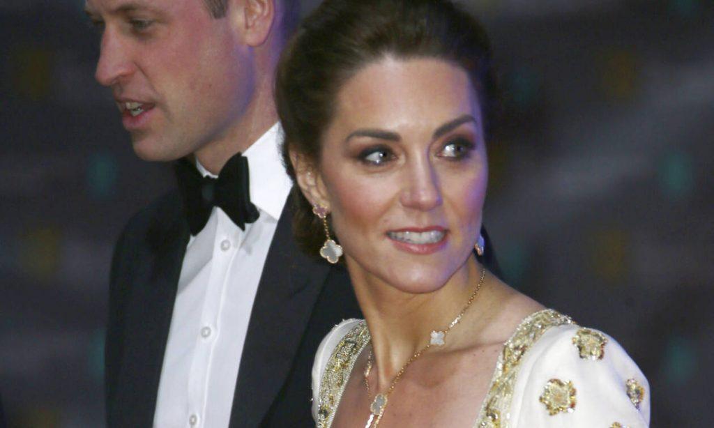 Υπάρχει ένα σημάδι που φανερώνει πως η Kate Middleton είναι έγκυος για τέταρτη φορά