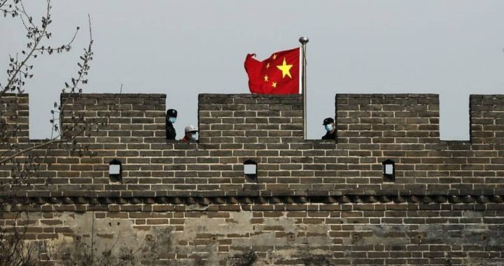 Κορονοϊός: Κλείνει τα σύνορα η Κίνα - Αύξηση των εισαγόμενων κρουσμάτων