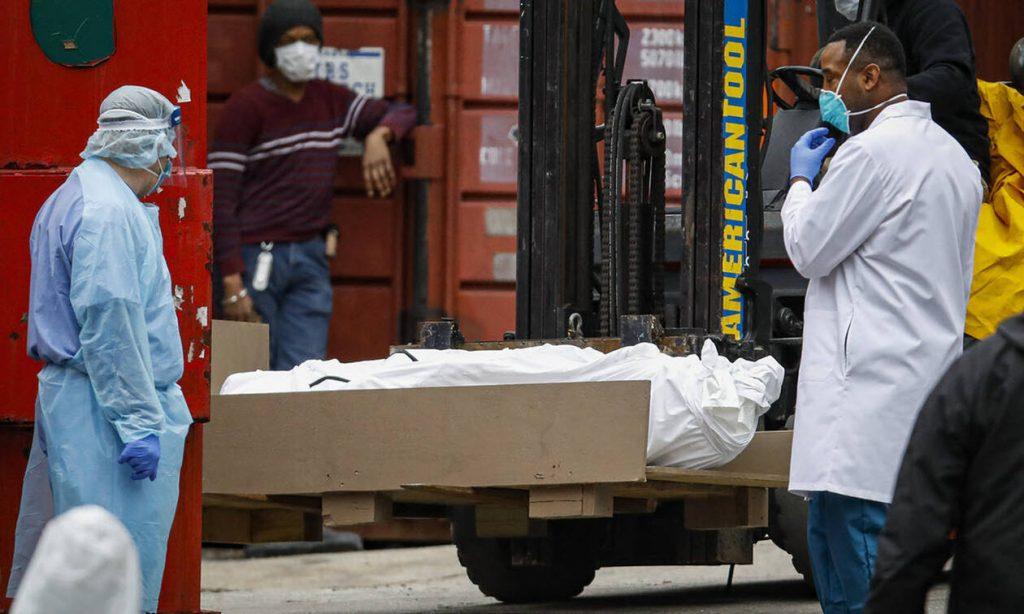 Κορωνοϊός στις ΗΠΑ: 884 νεκροί μέσα σε 24 ώρες