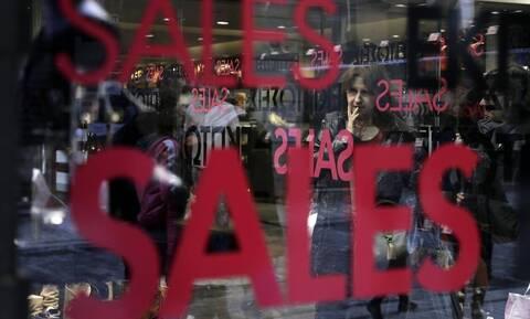 Καλοκαιρινές εκπτώσεις 2020: Ποια Κυριακή θα είναι ανοιχτά τα καταστήματα