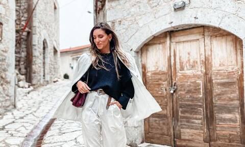 Easy rider: Η Αθηνά Οικονομάκου όπως δεν την έχεις δει ξανά