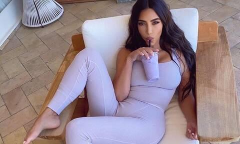 Kim Kardashian: Κυκλοφορεί ξανά με νέο λουκ εντελώς διαφορετικό