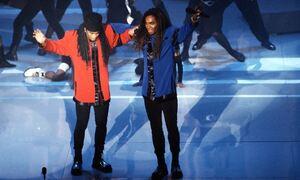 Πέθανε από κορονοϊό διάσημος τραγουδιστής - Η «πραγματική» φωνή των Milli Vanilli