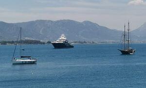 Η θαλαμηγός Ulysses των 220 εκατ. ευρώ έδεσε στον Πόρο - Δείτε το χλιδάτο εσωτερικό του