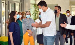 Κικίλιας: Στέλνουμε και εμβόλια Pfizer στα νησιά για να τονώσουμε την «Γαλάζια Ελευθερία»