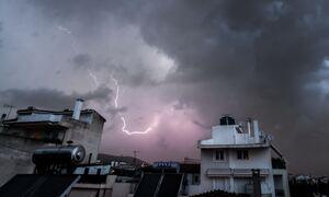 Καιρός - Έκτακτο δελτίο ΕΜΥ: Βροχές και καταιγίδες σε όλα τα ηπειρωτικά - Κίνδυνος για πλημμύρες