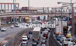 Καιρός: «Βούλιαξε» η Αθήνα από την μπόρα - Άνοιξαν τρύπες στην Πειραιώς, «ποτάμια» κεντρικοί δρόμοι