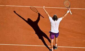 Στέφανος Τσιτσιπάς: Πρόκριση από «χρυσάφι» - Το πόσο που θα πάρει αν κατακτήσει το Roland Garros