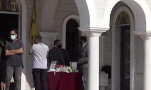 Σταύρος Δογιάκης: Το τελευταίο «αντίο» στον επιχειρηματία από συγγενείς και φίλους (vid)