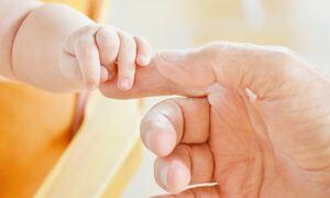 ΟΠΕΚΑ - Επίδομα παιδιού Α21: Πότε πληρώνεται η γ' δόση - Αυξήσεις έως και 200 ευρώ