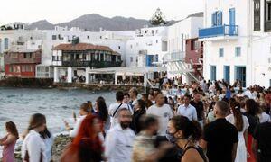 Μύκονος: Έτσι θα μπει τέλος στα παράνομα πάρτι σε βίλες και σκάφη - Το παράδειγμα της Ίμπιζα