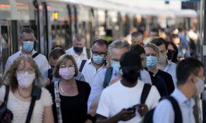 Μετάλλαξη Βήτα: Η νέα απειλή που «ξεφεύγει» από τα εμβόλια– Eίναι πιο επικίνδυνη από τη «Δέλτα»;