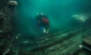 «Θησαυρός» στη Μεσόγειο: Βρέθηκε αρχαίο ναυάγιο και ελληνικοί τάφοι σε βυθισμένη πόλη (pics)
