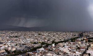 Κακοκαιρία: Η «ψυχρή λίμνη» έφερε ισχυρές καταιγίδες  - Πού θα «χτυπήσει» την Τρίτη