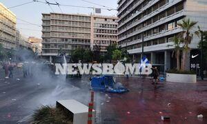 Ρεπορτάζ Newsbomb.gr: Έτσι άρχισαν τα επεισόδια στο Σύνταγμα – Ένας τραυματίας στο νοσοκομείο