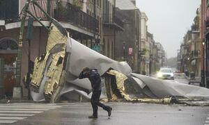 Τυφώνας Άιντα: Σφυροκοπά με μανία την Λουιζιάνα - Χωρίς ρεύμα 122.000 σπίτια και επιχειρήσεις