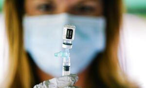Pfizer: Μειωμένη η αποτελεσματικότητα του εμβολίου με την πάροδο του χρόνου