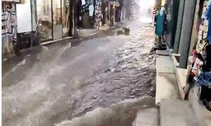 Κακοκαιρία «Μπάλλος»: Πλημμύρισε το Μοναστηράκι (video)